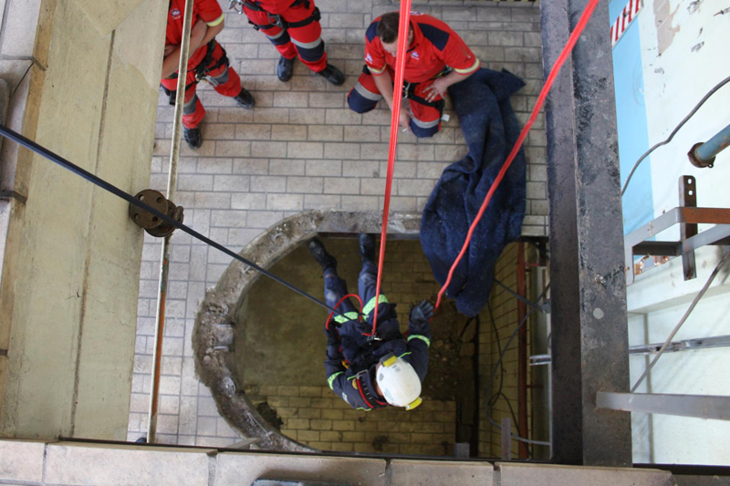 Confined Rescue Training